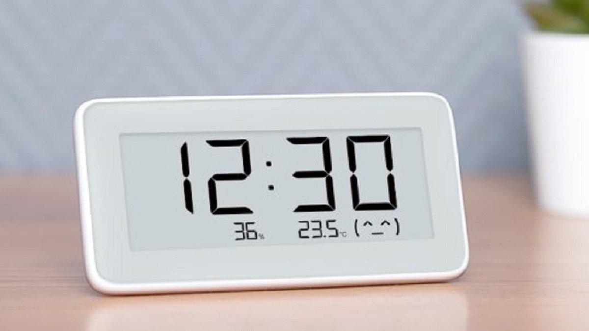 Картинки по запросу Електронний годинник з вмонтованою камерою