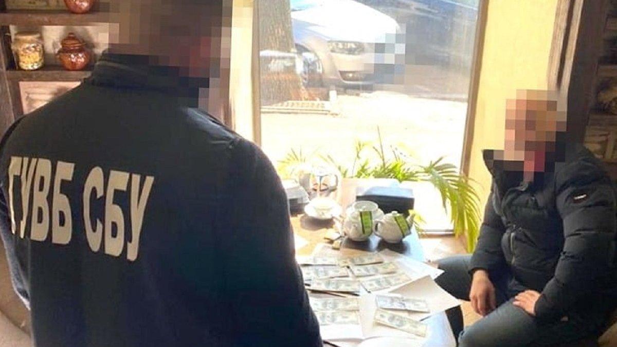 У Львові затримали 46-річного вірменина за спробу дати хабар працівнику СБУ  - ZAXID.NET