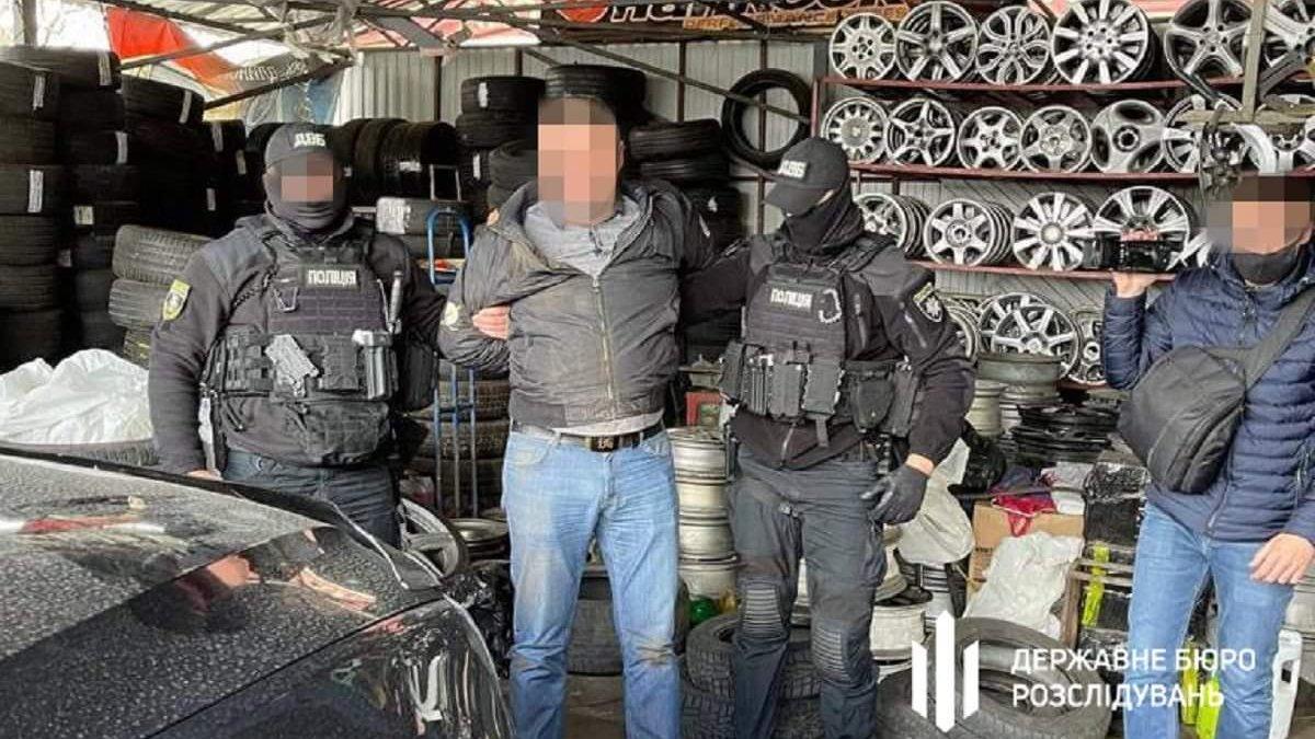 Київського поліцейського викрили на «кришуванні» ресторанів і клубів у  локдаун - ZAXID.NET