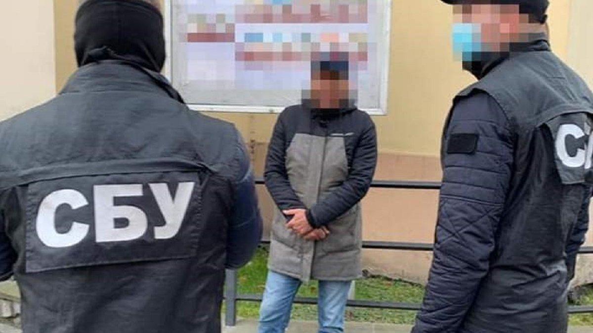 Затриманий на хабарі 3000 доларів працівник львівського суду отримав вирок  - ZAXID.NET