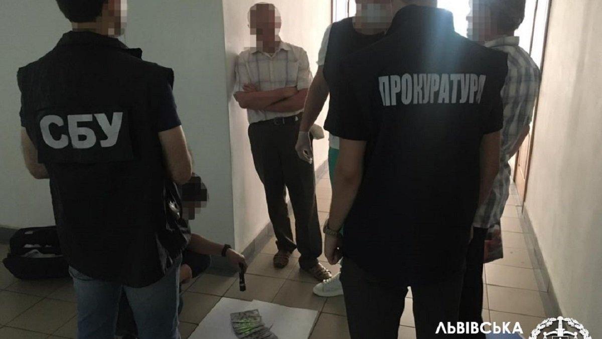 На хабарі затримали посадовця львівського відділення Фонду соцстрахування -  ZAXID.NET