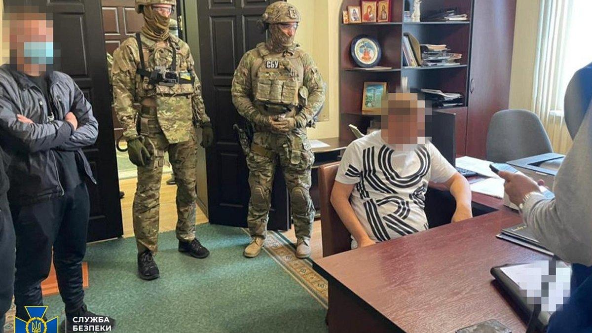 Депутата та чиновників Полтавської міськради викрили на хабарі - ZAXID.NET