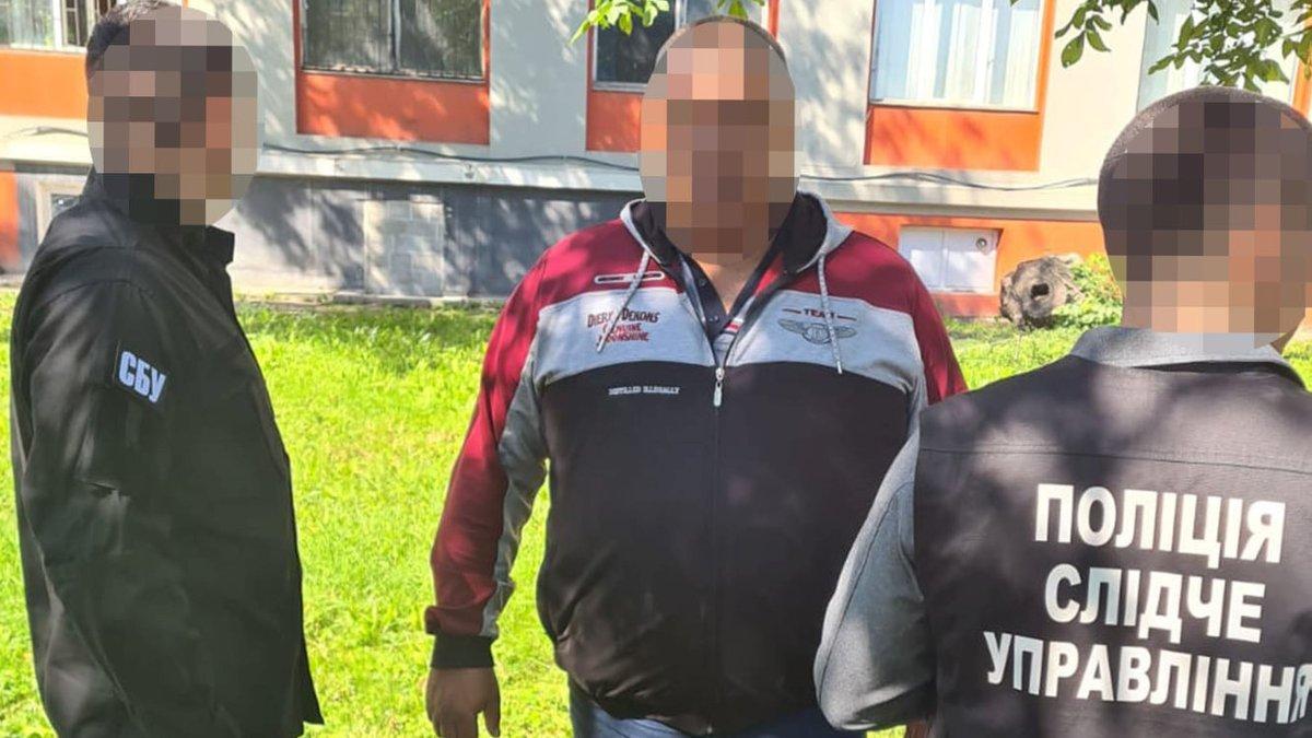 На Буковині чиновник вимагав від фермера 25 тис. грн за реєстрацію  сільгосптехніки - ZAXID.NET