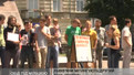 Львів'яни мітингують під міліцією другий день поспіль