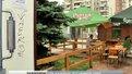 У Львові горе-підприємці облаштували на клумбах ще кілька літніх майданчиків