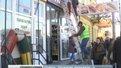 У Львові демонтували незаконну вивіску, через яку чиновник ЛКП попався на хабарі