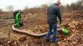 Львівські комунальники збиратимуть сухе листя у парках «промисловим пилосмоком»