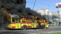 У Львові посеред дороги дотла згорів тролейбус