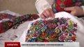 Мешканка Дублян вишила сорочки Руслані та Святославу Вакарчуку