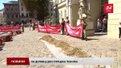 Під Ратушу з тачками із землею прийшли захисники будівництва на Варшавській-Сосновій