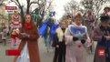 Заради порятунку 4-річної Яночки театрали влаштували карнавальну ходу Львовом