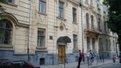 Підлітки влучили камінцем у польського дипломата на урочистостях у львівській школі