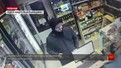 З'явилось повне відео збройного пограбування алкомаркету у Львові