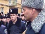 «Правий сектор» не дозволив випустити ВВ з частини на Стрийській (ВІДЕО)