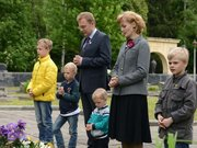 Мер Львова із сім'єю вшанували загиблих у Другій світовій війні