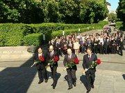 Усі президенти, окрім Януковича, поклали квіти до Вічного вогню