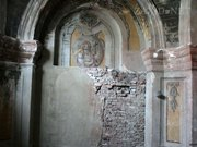У костелі Єзуїтів студенти законсервують стінопис