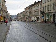 На вул. Городоцькій комунальники і підприємці відремонтують тротуар