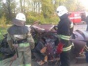 Під Львовом зіткнулися мікроавтобус і авто: загинула людина