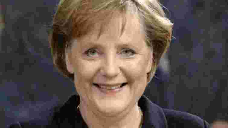 Ангела Меркель заробляє найбільше серед європейських керівників