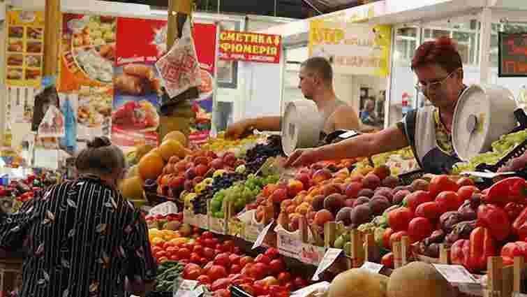 За рік світові ціни на продукти харчування знизилися на 12%
