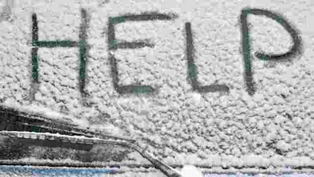 Німеччину засипало снігом: закрили школи і садочки