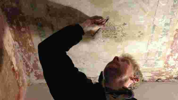 В будинку на вул. Театральній, 12 відновлять цінні історичні розписи