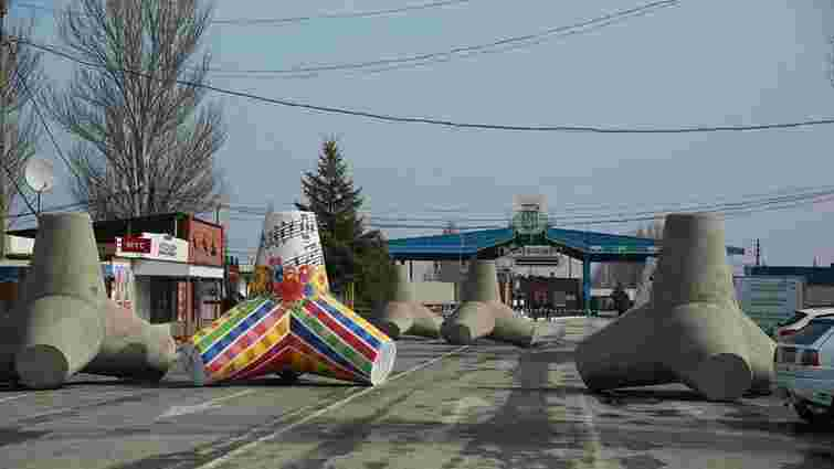 Терористи з мінометів обстріляли пункт пропуску «Новоазовськ», один прикордонник загинув