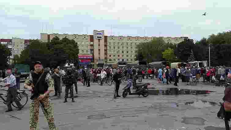Мешканці Слов'янська просять більше не пускати до їхнього міста бойовиків, - Аваков
