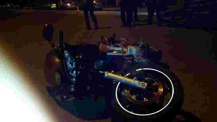 Винуватця ДТП у Львові, де загинув мотоцикліст, поки не знайшли