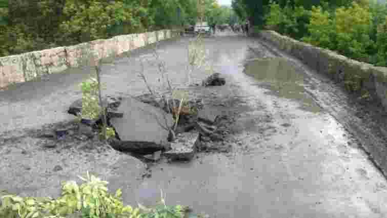 На Донеччині терористи підірвали міст на дорозі Т-05-17 Єнакієве – Шахтарськ – Амвросіївка (фото)
