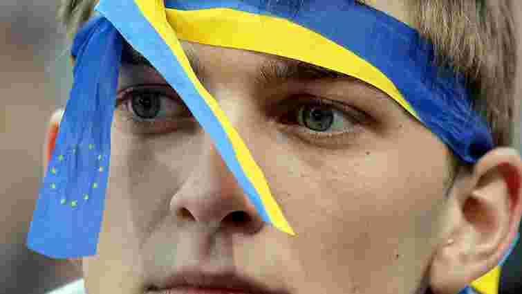 У Москві затримали шістьох активістів, одягнених у кольори українського прапора