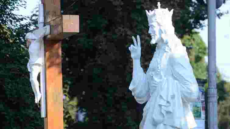 Священики УГКЦ не освячували незаконно встановлену скульптуру Христа в центрі Львова