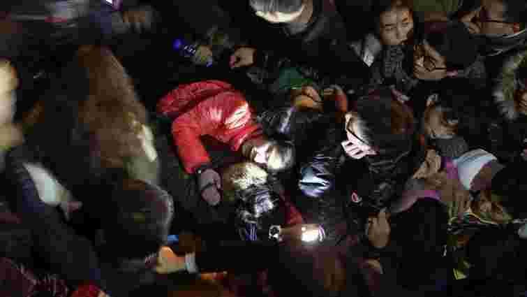 Десятки людей загинули у новорічну ніч у Шанхаї через тисняву