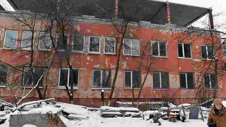Реконструкцію Львівського перинатального центру відновлять навесні