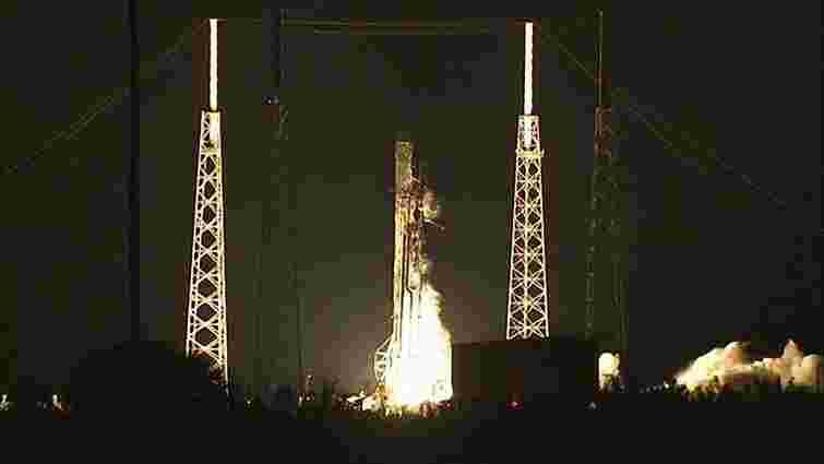 Приватний космічний корабель Space X Dragon успішно стартував до МКС