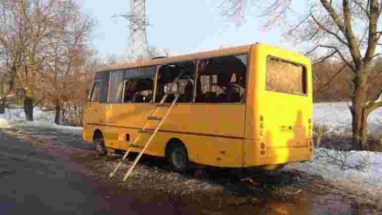 Терористи обстріляли пасажирський автобус під Волновахою: 10 загиблих