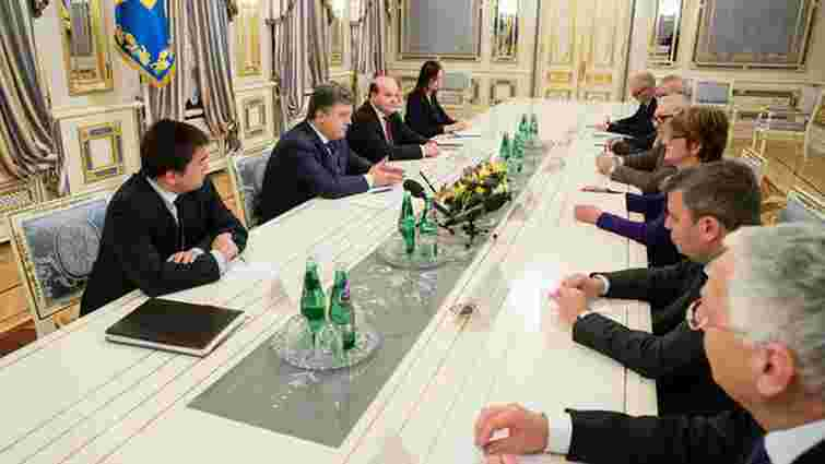 Порошенко попросив ПАРЄ докласти всіх зусиль для звільнення Надії Савченко