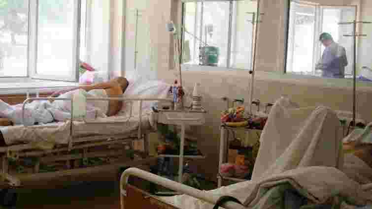 За три дні до лікарень Дніпропетровська надійшли 60 поранених бійців із зони АТО