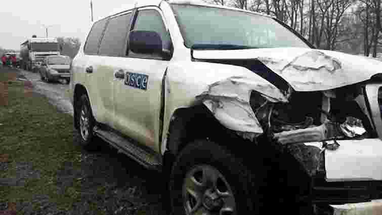 На Донеччині автомобіль місії ОБСЄ потрапив у ДТП