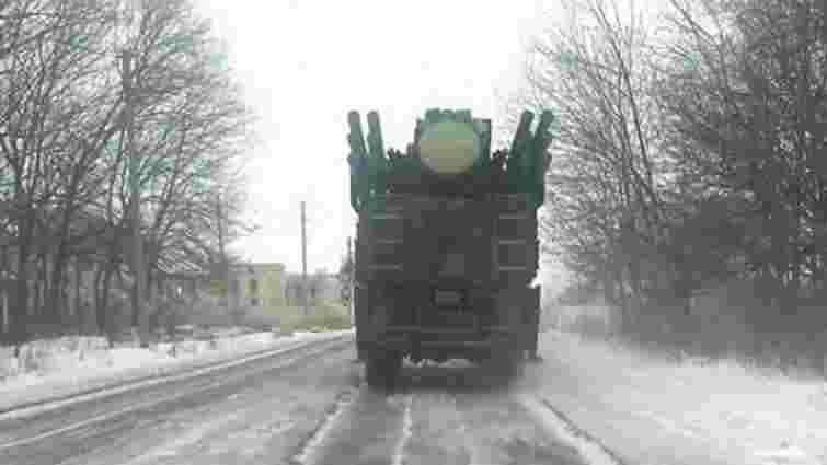 """Росіяни перекинули на Донбас артилерійські установки 2С7 """"Піон"""" і """"Панцир-С1"""""""