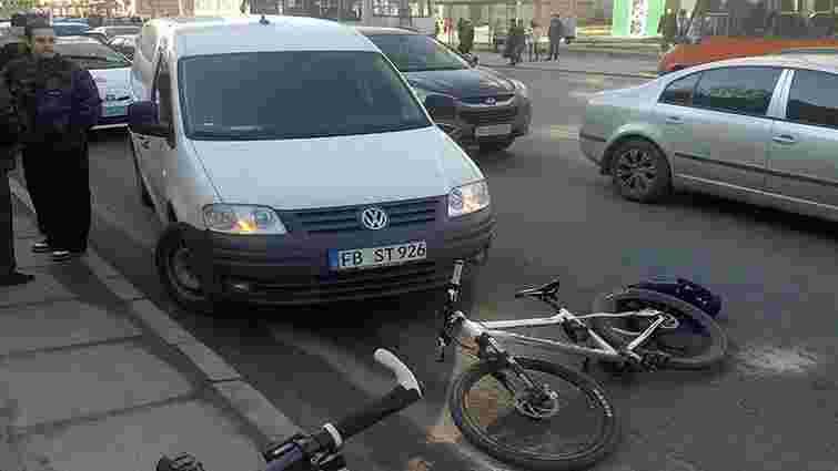 Львівський велосипедист, якого побив водій, отримав струс мозку
