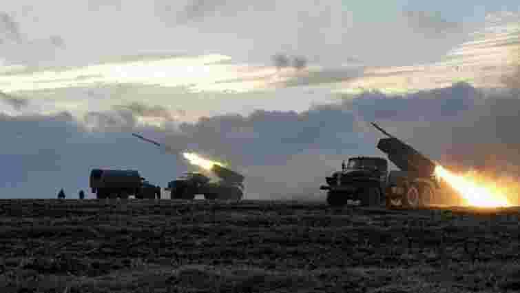 Бойовики за день 16 разів вели вогонь застосовуючи важку артилерію, - штаб АТО