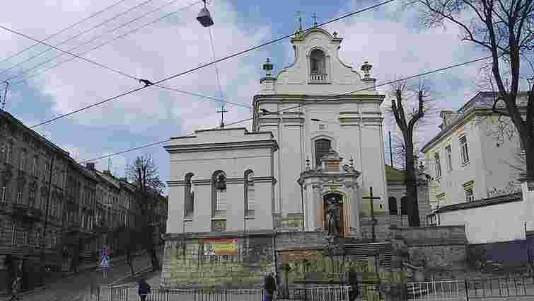 Унаслідок пожежі у костелі святого Антонія постраждали двоє львів'ян