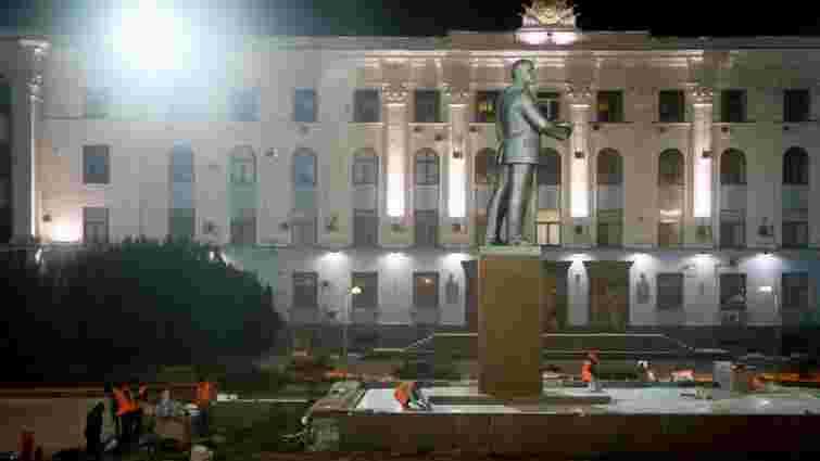 В Сімферополі презентували оновлений пам'ятник Леніну