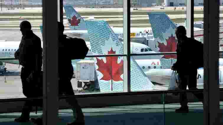 Канадцеві загрожує ув'язнення за відмову надати прикордонникам пароль до смартфона