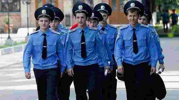 На роботу у львівську міліцію шукають майже 100 працівників