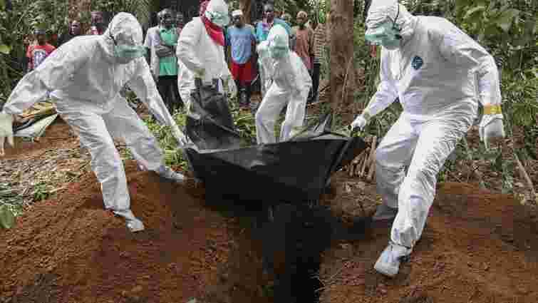 Від лихоманки Ебола загинули понад 10 тис. осіб, – ВООЗ