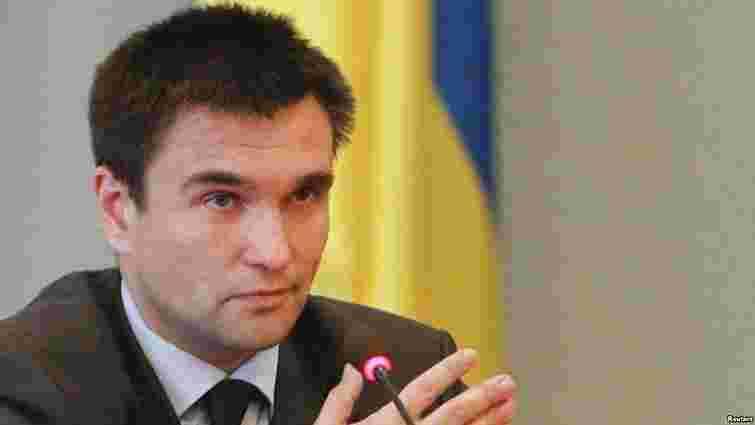 Терористи продовжують утримувати 180 українських військових, – МЗС