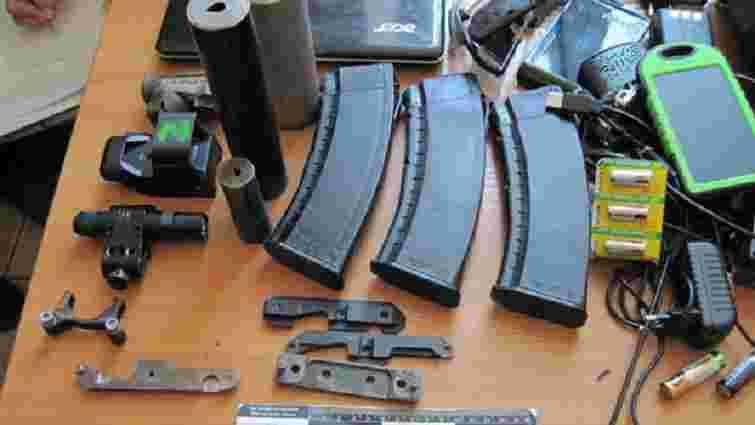 Боєць АТО залишив у камері схову львівського вокзалу наплічник із арсеналом зброї